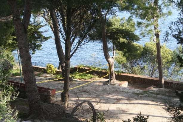 Hotel bord de mer var avec piscine hy res proven al for Camping dans le var bord de mer avec piscine